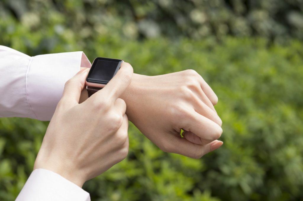 Apple Watchのバッテリー!残量確認方法と連続稼働時間を解説