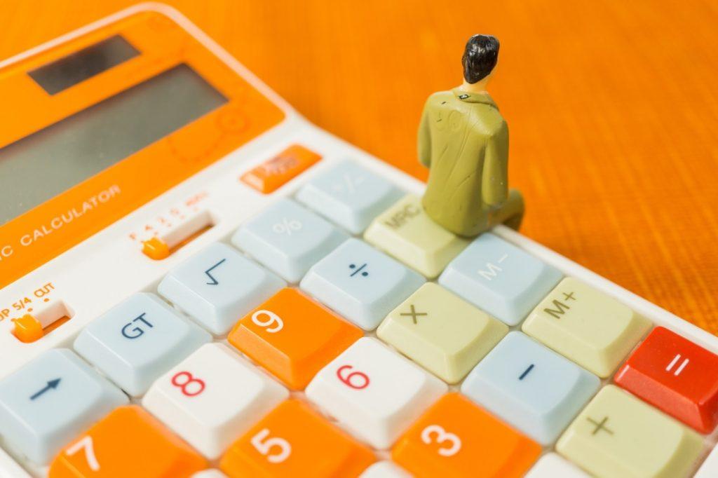 Cellularモデルで必要な大手キャリアの月額の通信費